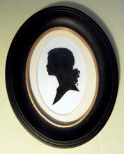 Oval Frame Large